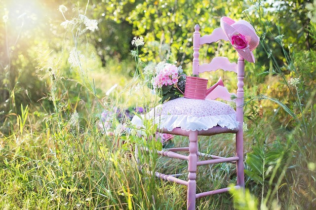 pink-chair-889695_640